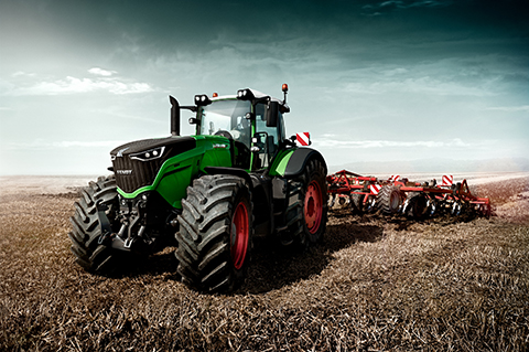 The Fendt 1000 Vario was specially designed as the world's most powerful draft tractor for the global market.