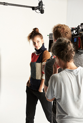 Amazon Fashion Barbara Palvin BTS4