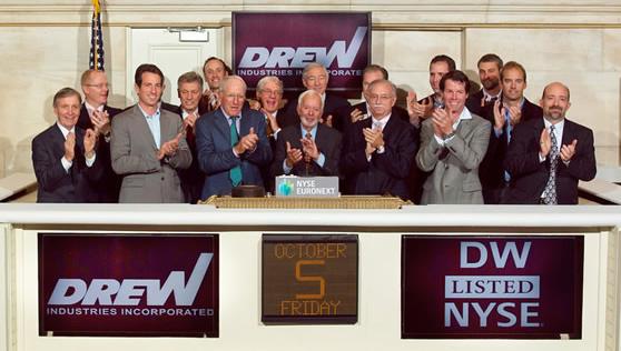 休闲车及房屋配件:德鲁工业公司Drew Industries(DW)